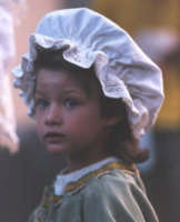 Bambina al corteo medievale del Medfest.   - Buccheri (3360 clic)