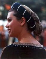 Nobildonna al corteo medievale del Medfest.   - Buccheri (3808 clic)