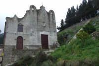 Matrice Vecchia del XIV secolo. All'interno della chiesa si trovano due cappelle personali dei baroni Ventimiglia  - Gratteri (2585 clic)