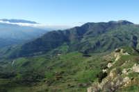 La zona di Malia vista dalla rocca di Draunìa  - San mauro castelverde (1152 clic)