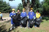 Iniziativa Puliamo il mondo della scuola primaria di San mauro con il patrocinio del comune.  - San mauro castelverde (1046 clic)