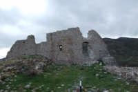 Ruderi del castello dei Ventimiglia  - Geraci siculo (3234 clic)