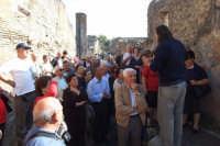 Gruppo di anziani di San Mauro in visita a Pompei. Viaggio organizzato dal comune dal 10 al 17 ottobre 2007.  - San mauro castelverde (905 clic)