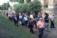 Gruppo di anziani di San Mauro in visita a Pompei. Viaggio organizzato dal comune dal 10 al 17 ottobre 2007.  - San mauro castelverde (1027 clic)