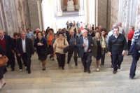 Gruppo di anziani di San Mauro in visita alla Reggia di Caserta. Viaggio organizzato dal comune dal 10 al 17 ottobre 2007.  - San mauro castelverde (946 clic)