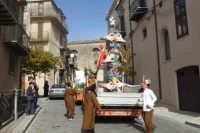 Sagra della castagna. Sfilata dei carri allegorici dedicati al tema dell'acqua. 28 ottobre 2007  - Petralia sottana (3521 clic)