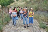 Escursione organizzata dall'ACR San Mauro - Sulle tracce di San Gregorio e della chiesa dell'Annunziata. 23 giugno 2007  - San mauro castelverde (1158 clic)