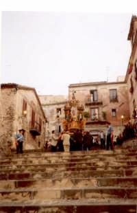 La processione di San Mauro Abate. Primo martedì di luglio  - San mauro castelverde (6230 clic)