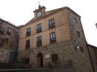 Il municipio  - San mauro castelverde (943 clic)
