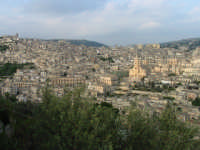 Veduta panoramica San Giorgio   - Modica (4885 clic)