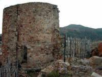ruderi  - Castel di lucio (6899 clic)