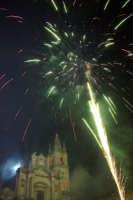 20 Gennaio 2006 san.Sebastiano,i fuochi di piazza Duomo  - Acireale (1514 clic)