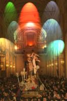 20 Gennaio 2006 san.Sebastiano,rientra  in basilica X essere deposto nella capella  - Acireale (1864 clic)