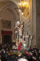 20 Gennaio 2006 san.Sebastiano,rientra  in basilica X essere deposto nella capella  - Acireale (1896 clic)