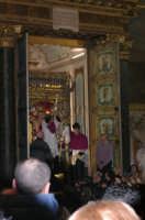 20 Gennaio 2006 san.Sebastiano,benedizione con le relique del Santo Martire Sebastiano  - Acireale (1922 clic)