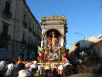 20 Gennaio 2006 san Sebastiano arriva alla vecchia stazione  - Acireale (1846 clic)
