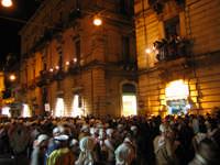 20 Gennaio 2006 san Sebastiano :corso Unberto inizia l^uscita di via Roma  - Acireale (1943 clic)
