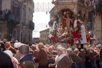 20 Gennaio 2006. san.Sebastiano in corsa x la trionfale uscita  - Acireale (1553 clic)