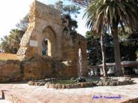 Piazza Mokarta - Resti del castello Normanno  - Mazara del vallo (6494 clic)