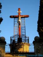 Tradizionali riti della Settimana Santa - Il Cristo inchiodato alla croce  - Naro (1925 clic)