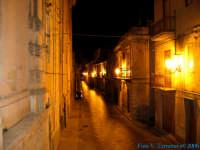 Naro di notte - Via Dante  - Naro (2306 clic)