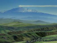 Panorama con l'Etna sullo sfondo  - Valguarnera caropepe (4351 clic)