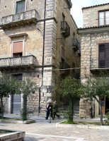 In giro per le strade del paese  - Valguarnera caropepe (5585 clic)