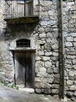 In giro per le strade del paese  - Valguarnera caropepe (4303 clic)
