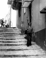 In giro per le strade del paese  - Valguarnera caropepe (5703 clic)