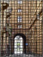 Notate anche le viuzze attigue al Teatro bellini - Dalle parti del teatro...  - Catania (2860 clic)