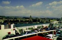 Una foto del 1966 - Stretto di Messina e la città.  - Messina (5657 clic)
