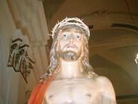 Giovedì Santo-L'Ecce Homo in chiesa prima della processione.  - Riesi (5905 clic)