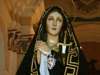 Venerdì Santo-Mattina-L'Addolorata in chiesa prima della processione.  - Riesi (10064 clic)