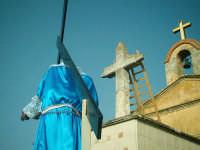Venerdì Santo-Pomeriggio-Processione e arrivo al calvario de Lu Signuri.  - Riesi (6159 clic)