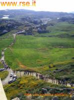 fedeli in cammino verso la madonna del castello-foto vinciguerra stefano g.-RSE  - Palma di montechiaro (5521 clic)