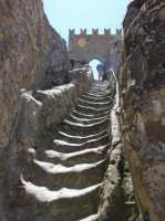 Torre del castello di Sperlinga (en) nel cuore della Sicilia,al confine tra le Madonie e le Nebrodi. E' scavato nella roccia, risale al periodo dei siculi  - Sperlinga (3706 clic)
