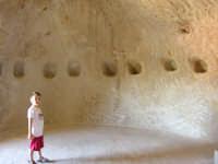 castello di Sperlinga (en) nel cuore della Sicilia,al confine tra le Madonie e le Nebrodi. E' scavato nella roccia, risale al periodo dei siculi  - Sperlinga (6517 clic)