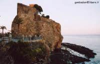 Castello gennaio 2005  - Aci castello (4974 clic)