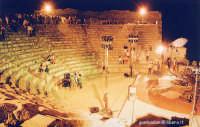 dopo la rappresentazione dell' Ecuba - agosto 2004  - Segesta (3992 clic)