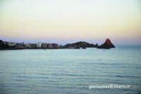 tramonto invernale di aci Trezza ripreso da Aci Castello  - Aci trezza (4084 clic)