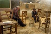 presepe vivente 2005: fabbricante di sedie  - Monterosso almo (1866 clic)