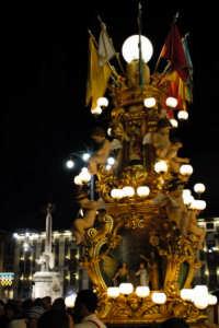 Sant'Agata 2006, una candelora in piazza Duomo  - Catania (2293 clic)