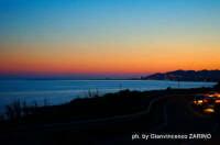 Panorama notturno sul golfo di Licata con braccio del molo.  - Licata (5170 clic)