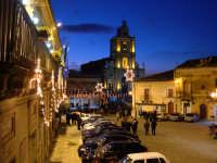 La piazza principale del paese, la sera dell'Epifania 2006.  - Monterosso almo (3053 clic)
