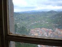 Panorama da una vecchia finestra del castello, oggi seminario.  - Santa lucia del mela (3426 clic)