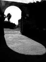 Arco d'ingresso alla masseria Silvestri  - Granieri (5770 clic)