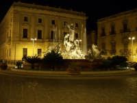 Fontana Diana piazza Archimede - Ortigia notturna  - Siracusa (4498 clic)