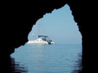 Il Cayo Blanco - dalla Grotta del Bue Marino FILICUDI  - Eolie (5495 clic)