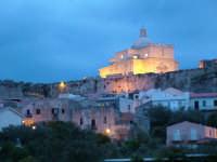 scattata all'imbrunire  quando iniziano le luci della notte  - Milazzo (6188 clic)