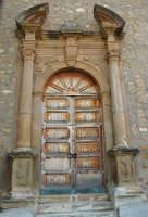 Portale della Chiesa di San Nicolò  - Pettineo (6156 clic)